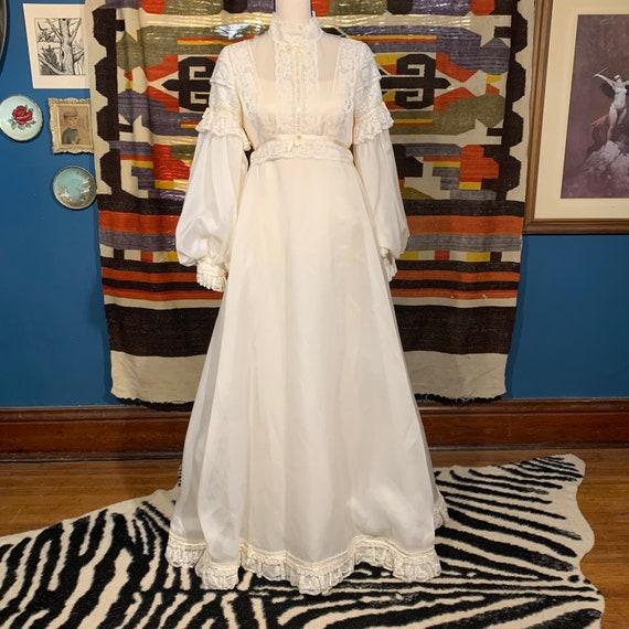 Boho/Romantic Wedding Dress