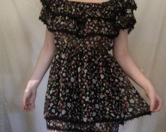 6043f2ea6cf56 VINTAGE Prairie Girl   Milkmaid Dress