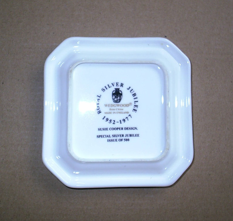 Wedgwood Susie Cooper Queen Silver Jubilee Square Dish