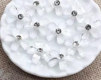 White resin rhinestone flower cabichon