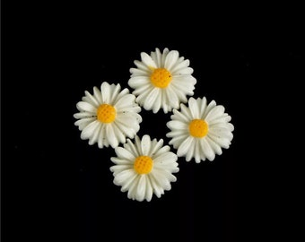 Daisy flower cabochons, 13mm soft white