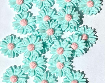Flower cabochons, 20mm pale blue glitter
