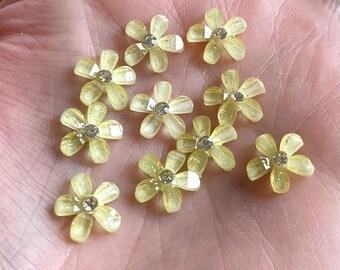 Pale yellow resin rhinestone flower cabochon, lemon 10mm