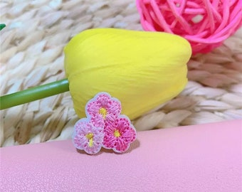 Mini pink flower iron on patches x 2