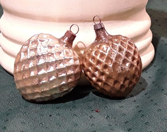"""2 Vintage Blown Glass Heart Ornaments. 1 Silver, 1 Gold with Embossed Mesh Design. 2 1/4"""" Tall, 1940's. Caps not marked, most likely German"""
