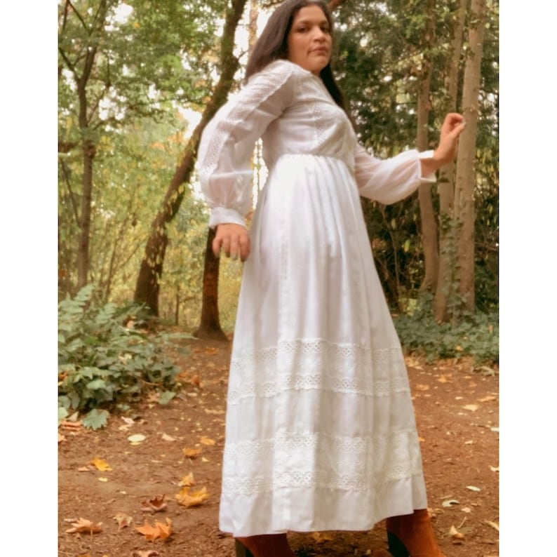 1970s Vintage Cottagecore Romantic Edwardian White Maxi Dress S