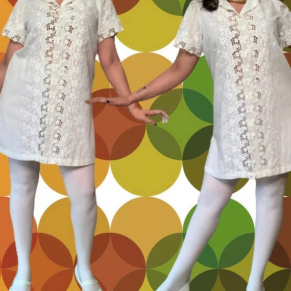 Vintage Mod Mini Dress, White Eyelet Dress, 60s M… - image 2