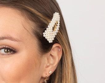 3ea11ae570 Triangle pearl hair clip, Pearl bobby pin, Pearl hair pin, Faux pearl hair  clip, Hair accessories, Trend hair pearl accessories, Pearl pin