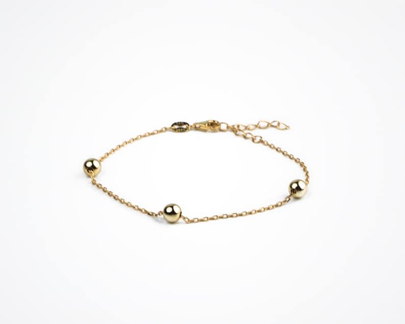 Tiny bracelet Gold bead bracelet Minimal jewelry Minimalist bracelet Dainty bracelet Three ball bracelet Beaded gold bracelet