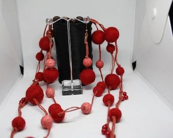 Set of cloth balls