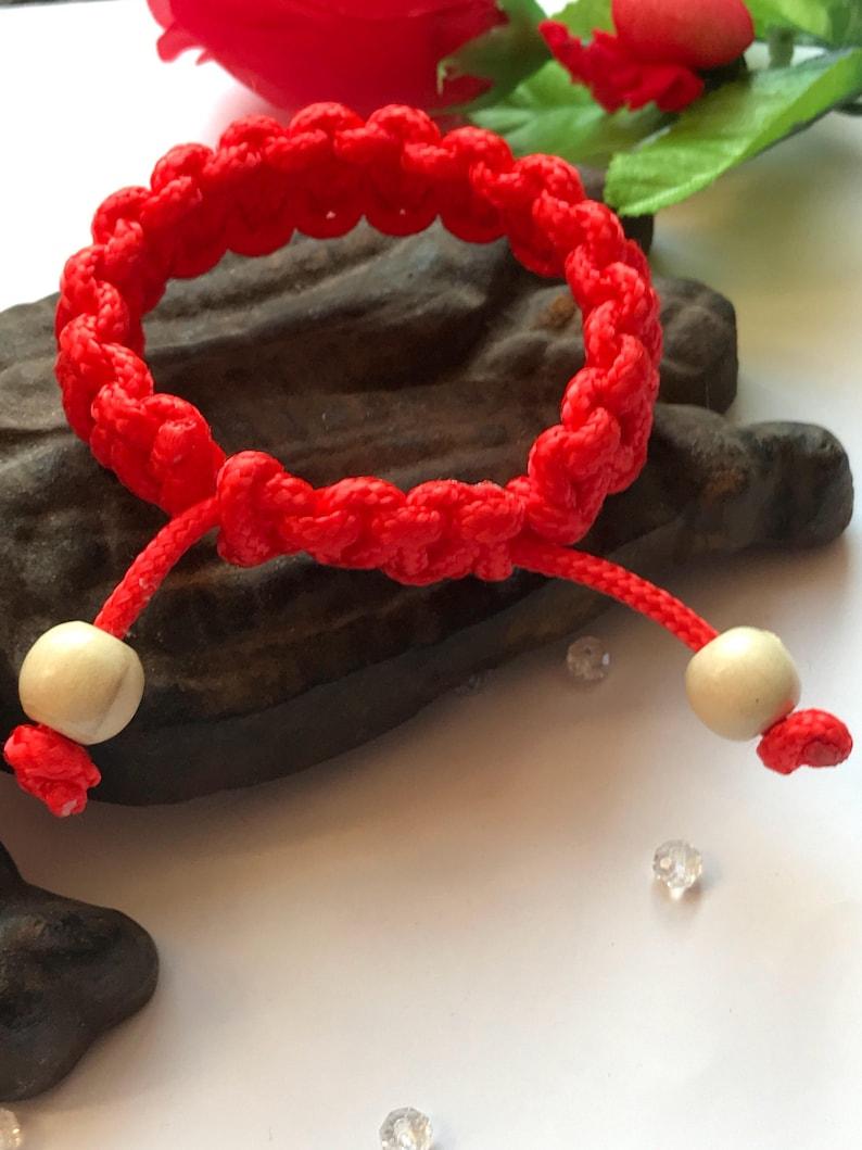 Woven bracelet Womans woven bracelet Womens paracord bracelet Red Paracord Bracelet Woven Paracord Bracelet in red for women
