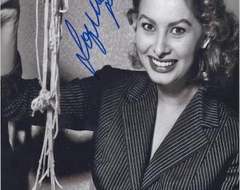 "Sophia Loren - original autograph ""eating spaghetti"" on photo 20x30cm - 2 x Oscars won - collected personally !!!"