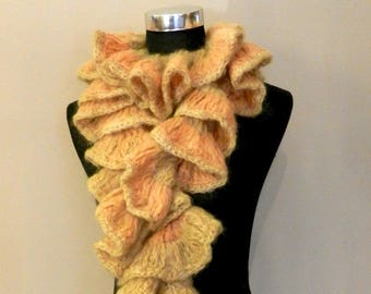 Wool scarf Handknitted, Spiral scarf with ruffle in autumn color
