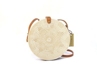 ffd420a39037 Rattan Round Bali Bag Women Handwoven Bag Vintage Purse Bohemian Bag Wicker  Purse Crossbody Leather Bag (Tuban Bag)