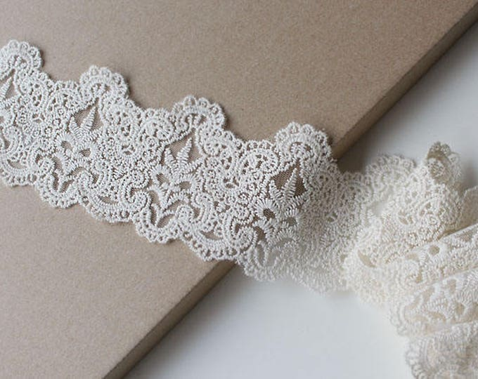 "Beige-Natural scallop 3"" cotton lace-mesh trim"