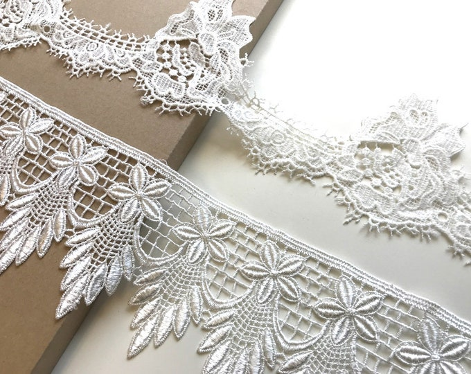 Off White 2 Various Width and Shape Lace Trim