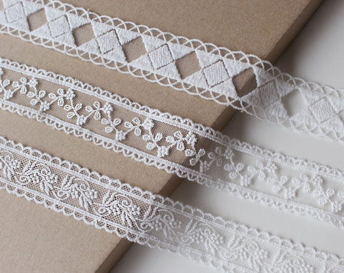 Off white Various width and shape cotton lace mesh trim