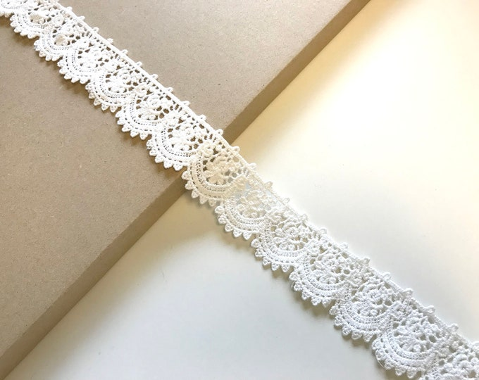 "Off white 1 1/4"" width cotton edge lace trim"