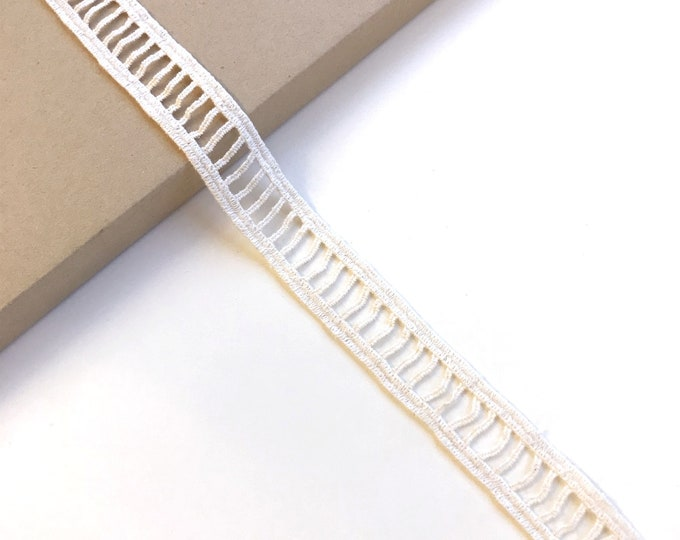 """Natural Cotton Lace Trim 1"""" ladder shape"""