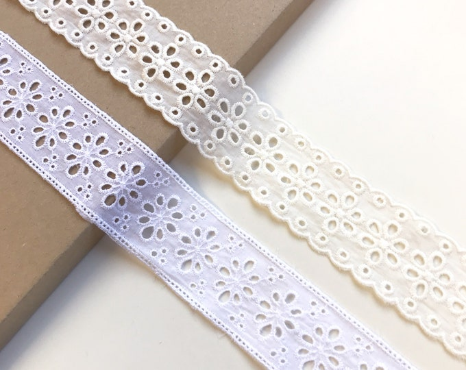 1.6yds in stock /each- OFF White Cotton Eyelet floral shape Lace trim tape (LT3)