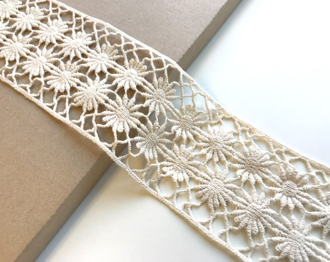 "Natural color 3"" lace trim"