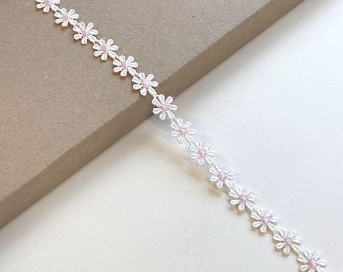 "Daisy floral Venise  lace trim 1/2""(Selling per yard) (LTF-1)"