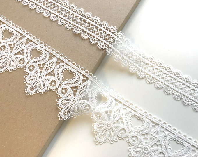 Off white 2 types of lace edge trim