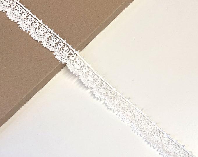 """Off White 1 1/4"""" edge Cotton Lace Trim(LT4)"""