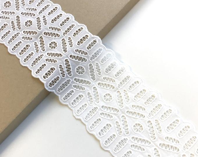 """Off White scallop 4"""" wide lace trim (LT11)"""