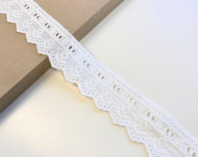 OFF White Cotton Eyelet Lace Flower shape trim (LT13)