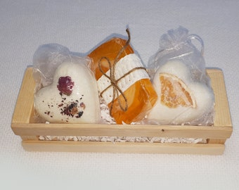 Set 2 bath hearts and 1 SOAP - gift