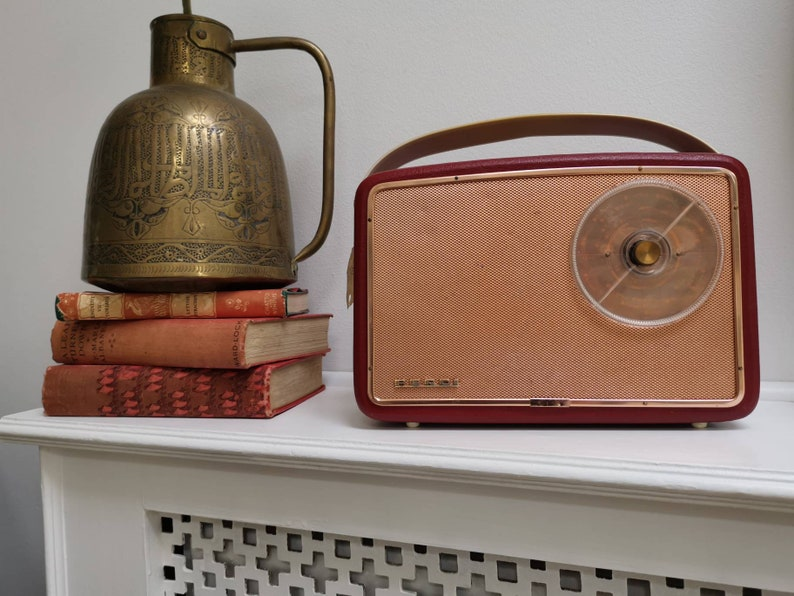 PERDIO Fanfare Model PR36 Vintage 2-band Transistor Radio