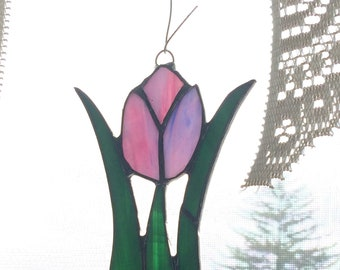 Stained glass tulip suncatcher