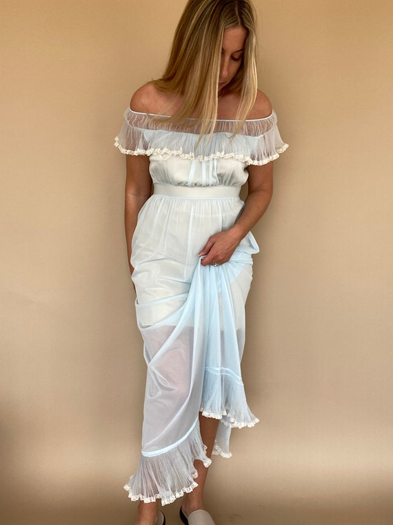 40s / 50s Vintage Nightgown