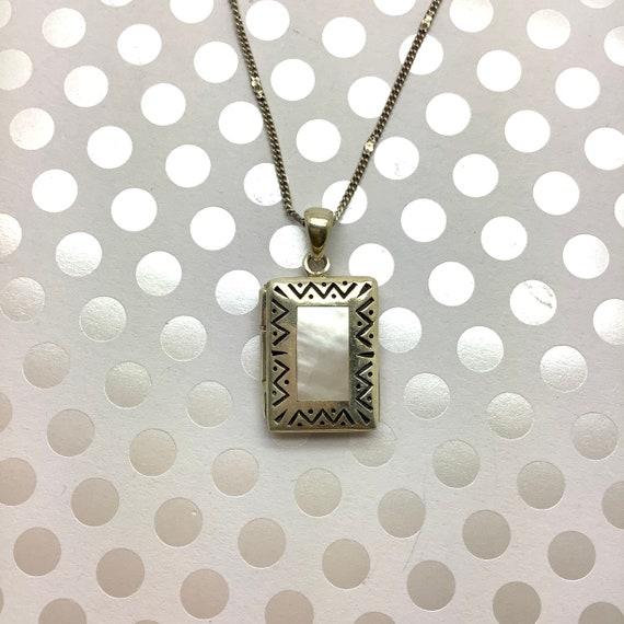Vintage Mother of Pearl Locket Pendant ~ Sterling… - image 3