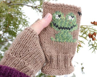 Hand Knit Frog Fingerless gloves - Frog Embroidery Arm warmers - Wrist warmers - Women / Teen Girl fingerless - Hand warmers - Gift for her