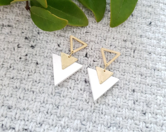 Triangle Drop Earrings, Earrings made with Wood and Two Brass Triangle, Plain Color Earrings With Brass, Modern Handmade Dangle Earrings.