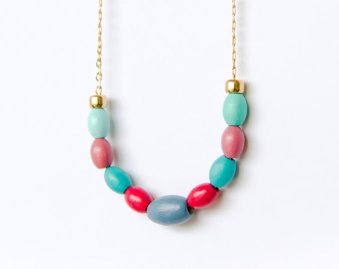 Oval Wooden Bead Necklace with Brass Chain, Plain Color Bead Necklace, Handpainted Necklace.