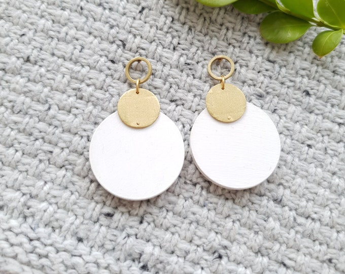 Cricle Drop Earrings, Earrings made with Wood and Brass Circle, Plain Color Earrings With Brass, Modern Handmade Dangle Earrings.