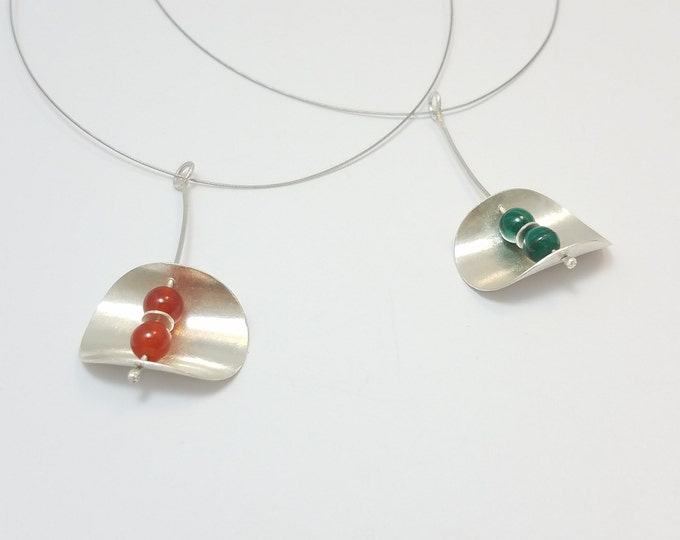 BUNT COLLECTION - Silver and Carnelian or Malachite (Red or Green) Necklace - Oval and Curved Necklace