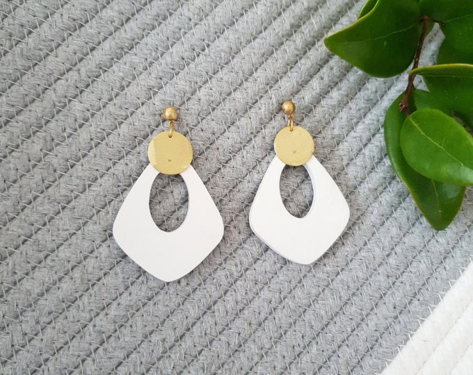 Drop Earrings, Earrings made with Wood and Brass Circle, Plain Color Earrings With Brass, Modern Handmade Dangle Earrings