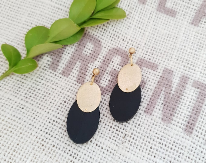Oval Drop Earrings, Earrings made with Wood and Big Brass Oval, Plain Color Earrings With Brass, Modern Handmade Dangle Earrings.