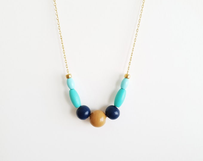 Round and Oval Wooden Bead Necklace with Brass Chain, Plain Color Bead Necklace, Handpainted Necklace.