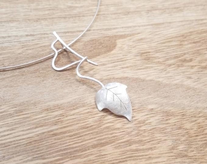 HIEDRA Necklace - WALD COLLECTION - Silver Ivy Leaf Necklace - Organic Handmade Necklace - Sterling Silver - Contemporary Jewelry
