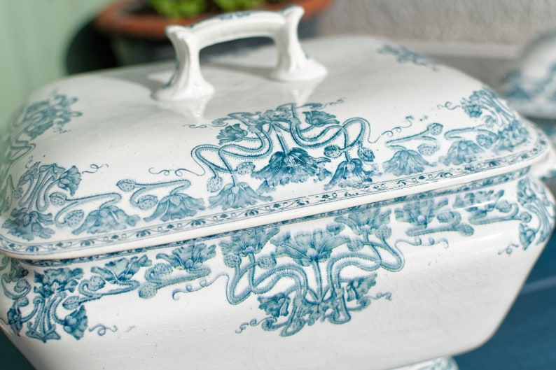 Late 1800s ~ French Antique TRANSFERWARE Large Tureen  ~ Made by GIEN in MARSALA Motif ~ Soupiere in Terre de fer ~ Earthware ~ Ironstonee