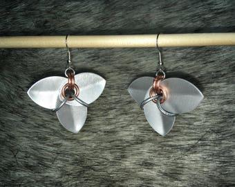 Tri-leaf Scale Earrings - Frost
