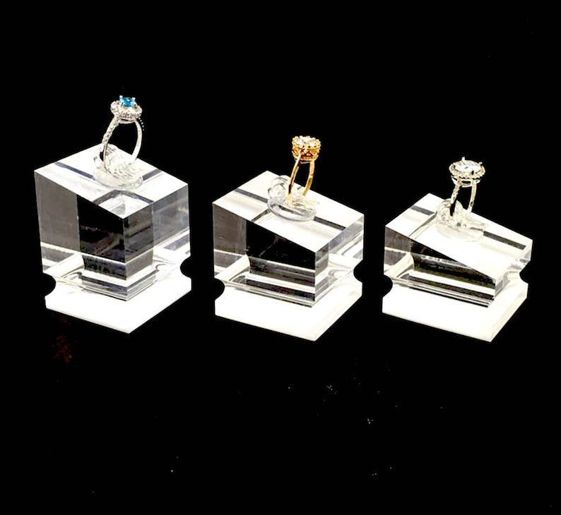 8bae4cb05623f Modern Clear Acrylic Ring Display Stands Fine Jewelry Display Exhibition  Shows Photos Stands Fashion Elegant Set of 3 PCs