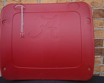Alabama Crimson Tide seat necklace