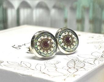 Silver-plated stud earrings with mandala motif boho