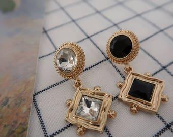 Gold bold vintage earrings with white and black. Handmade Earrings. Drop Earrings. Wedding Jewelry. Simple Earrings.  Dangle Earrings.